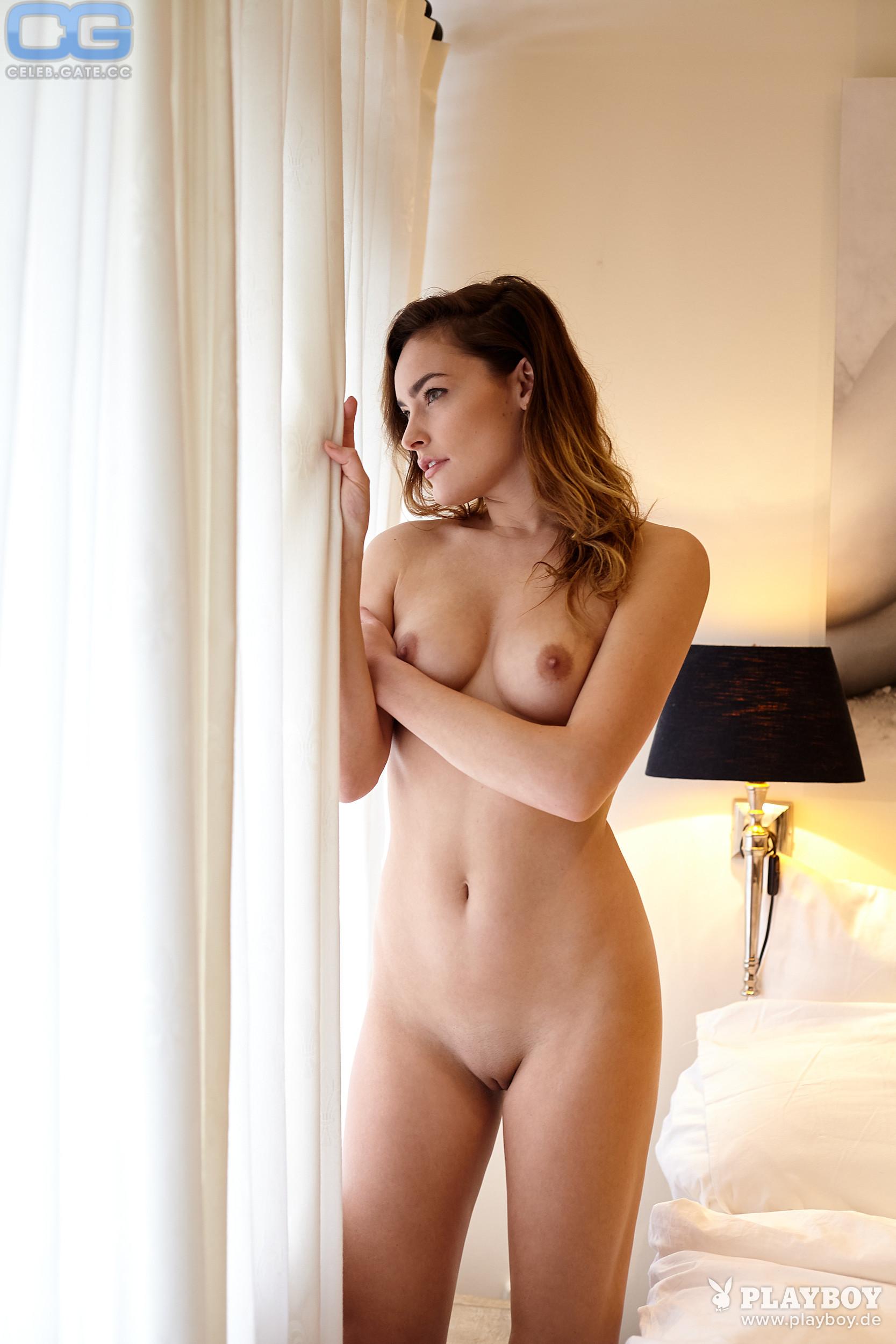 Monreal nackt Yvette  Yvette Monreal