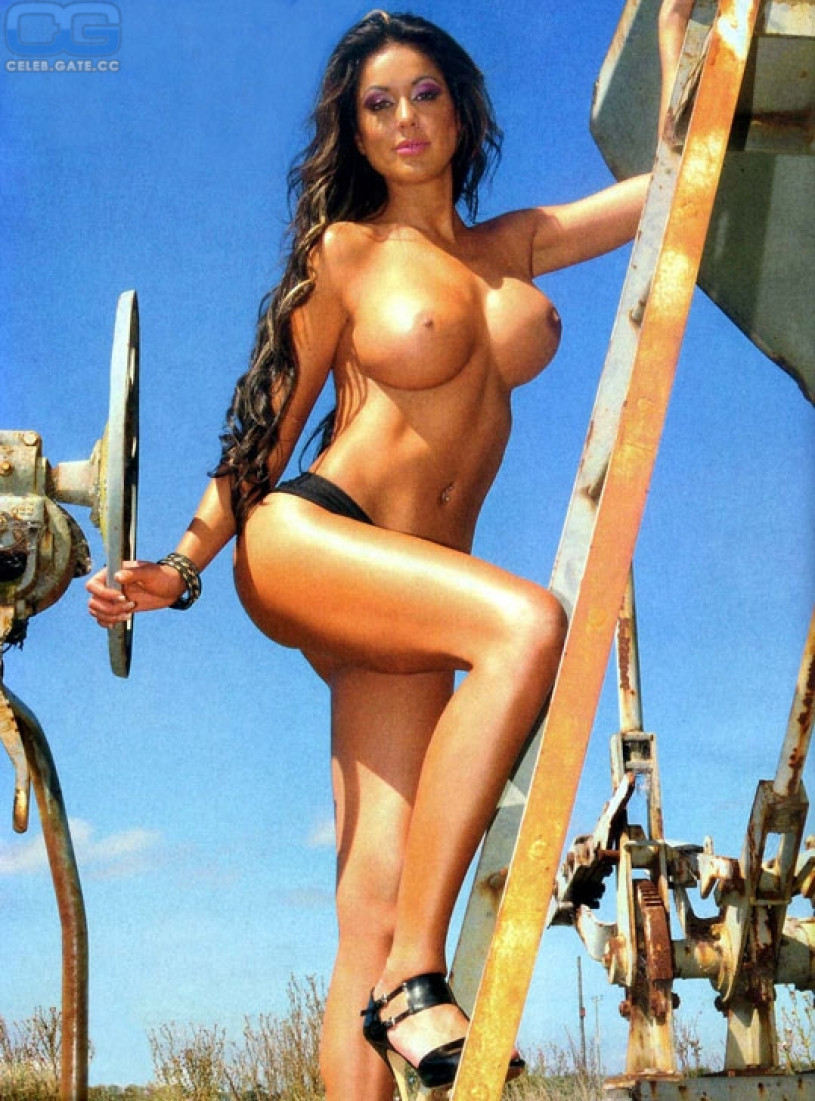 Paula patton nude in 2 guns hd 5