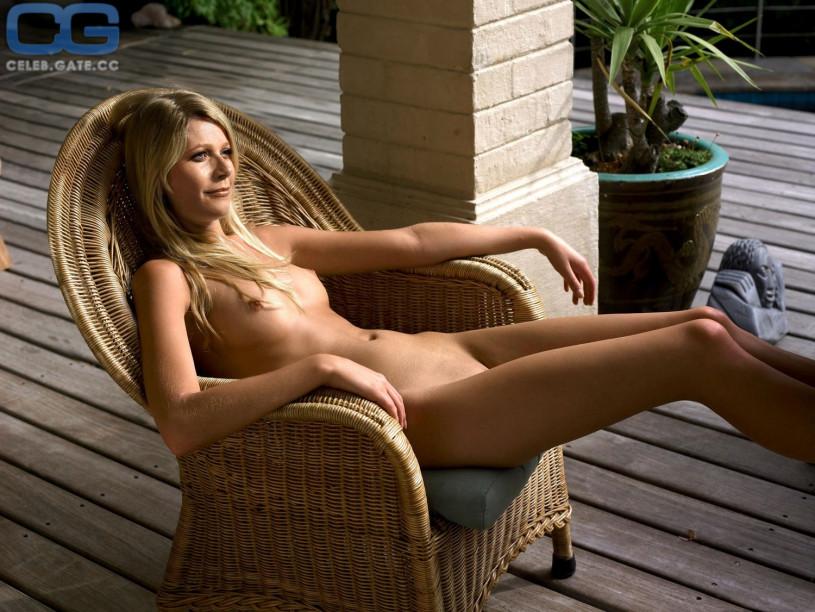 nude Gwynyth paltrow