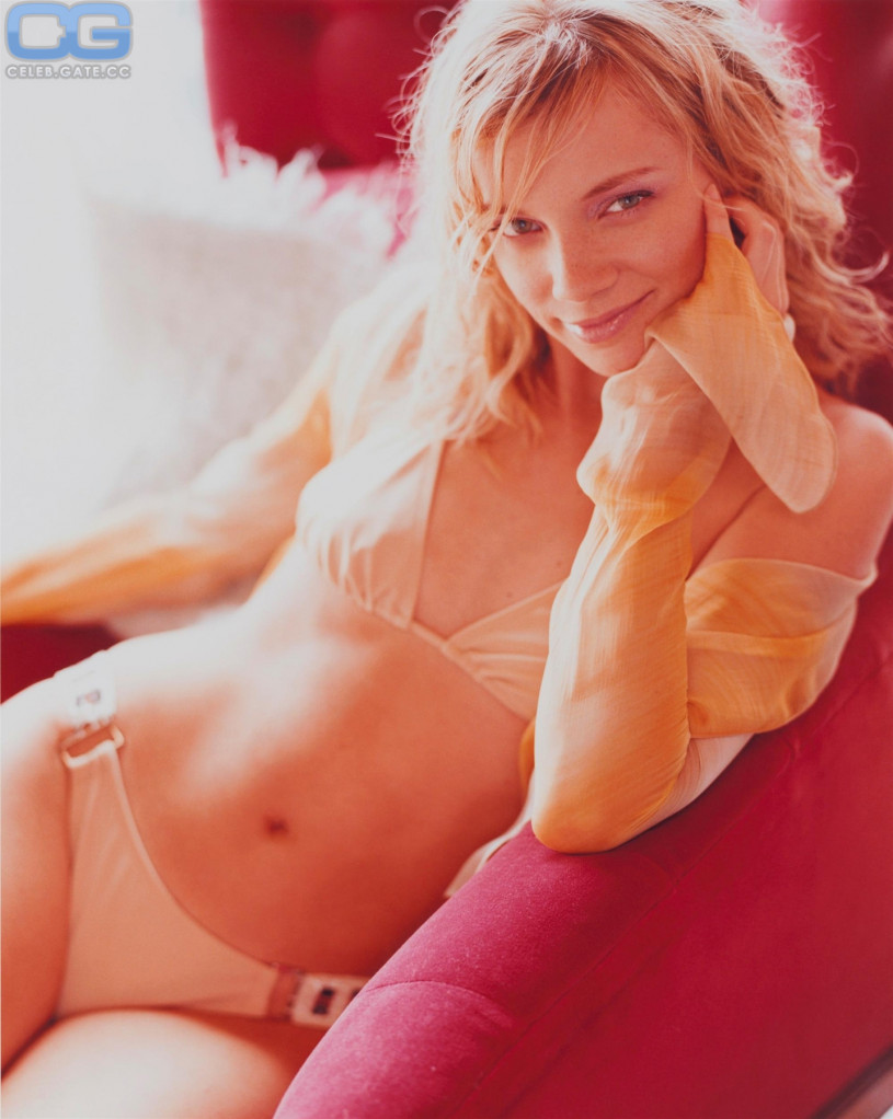 Amy Smart Naked amy smart nude, pictures, photos, playboy, naked, topless