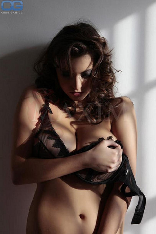 topless Francoise boufhal