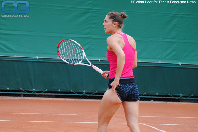 shannon-twins-nude-on-tennis-court-asain-cam-girl-sex