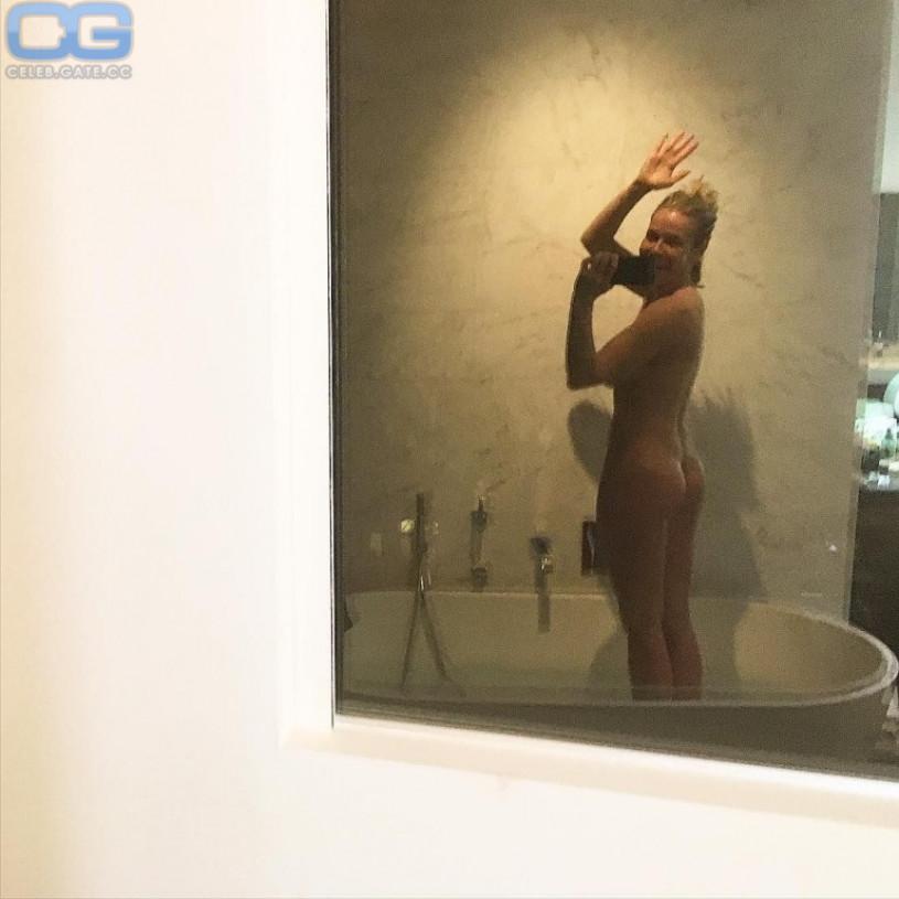 Chelsea handler nude playboy pics, gif image ffm porn