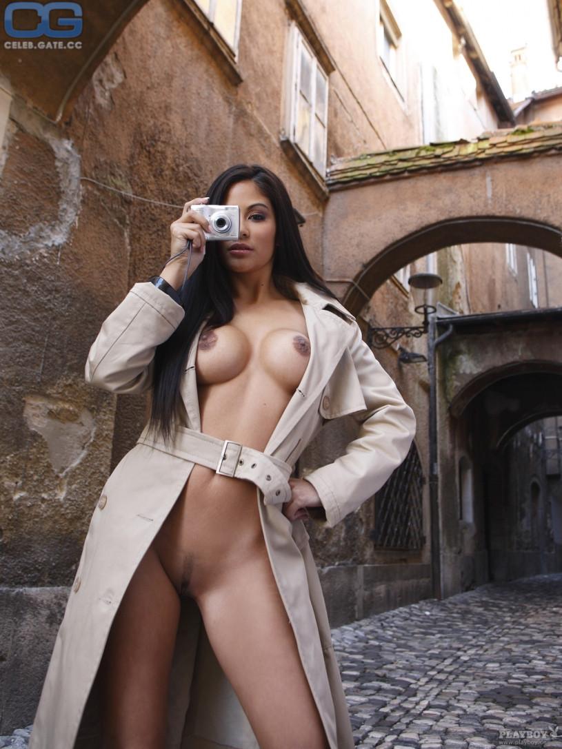 gray nude Mia