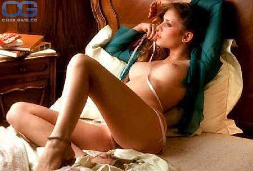 Naked kelly mcarthur