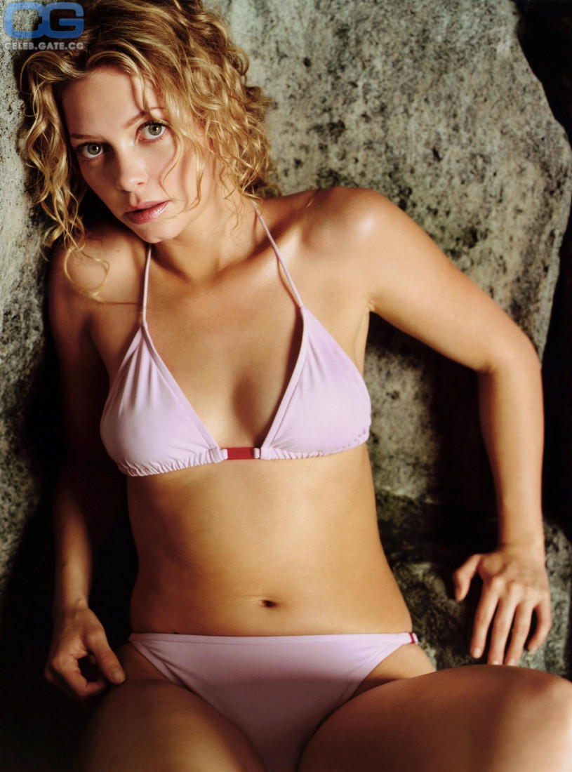 Amanda detmer nude pictures