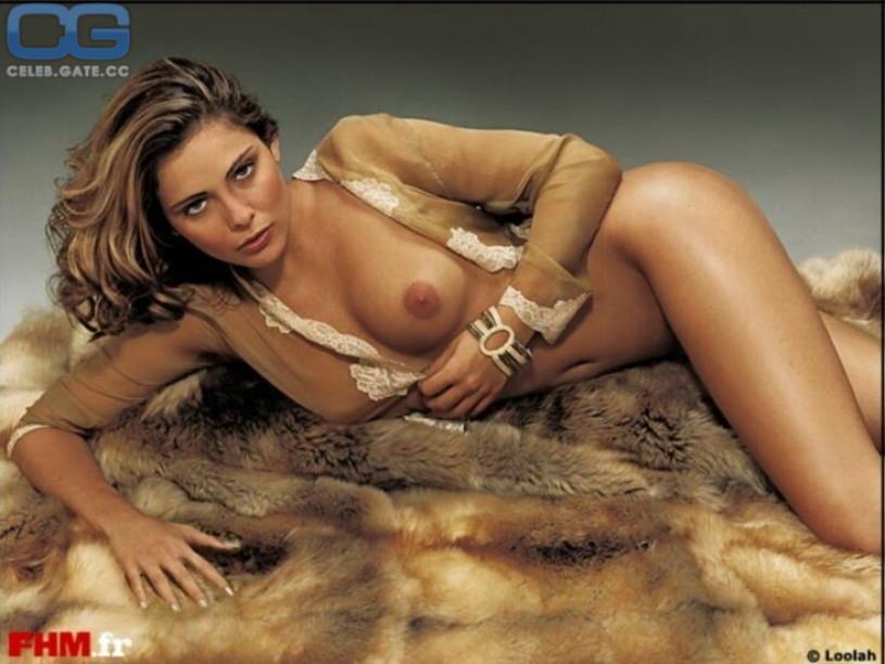 boat spread nude pics