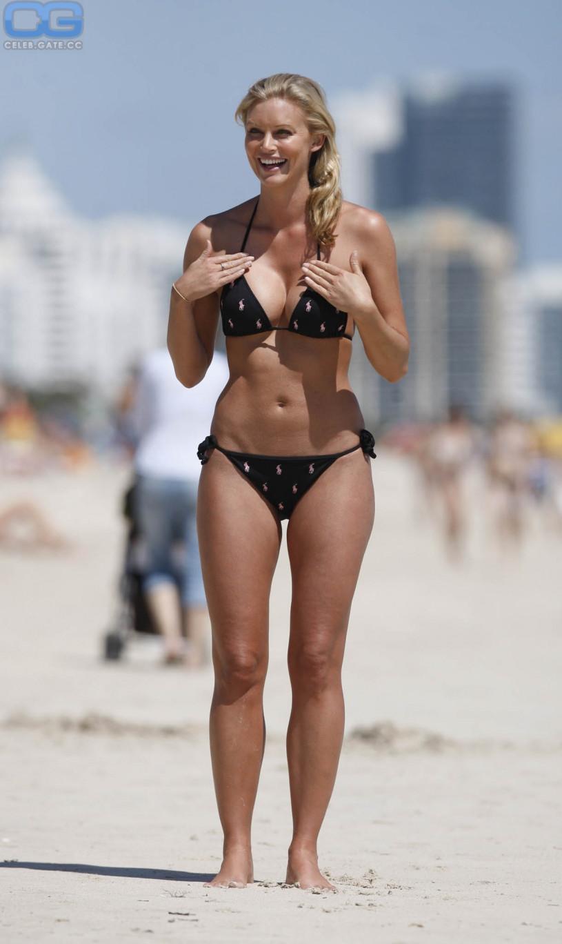 Kelly Landry Nude! - Celebslam