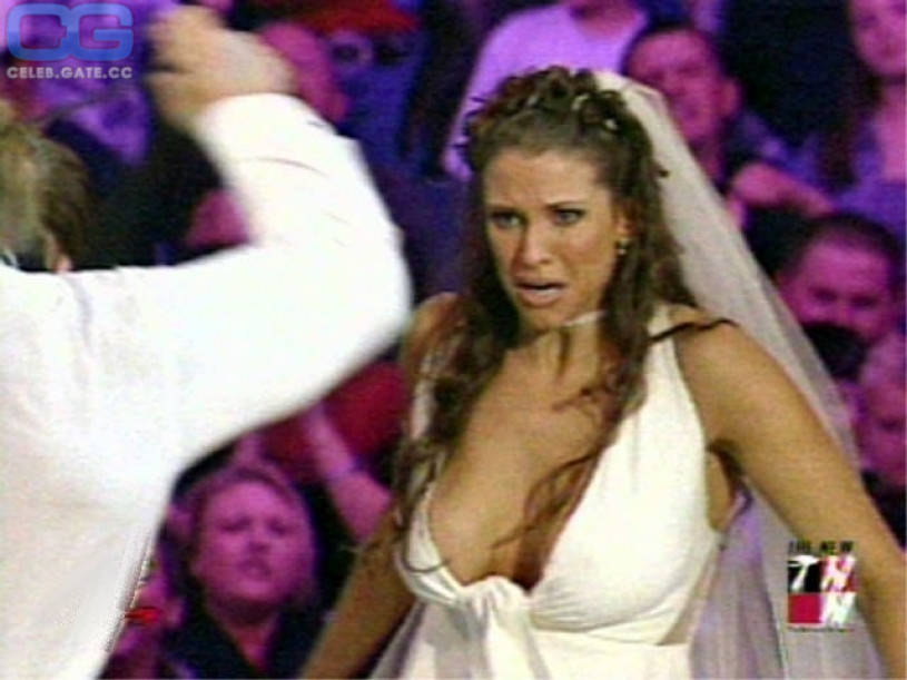 Wwe stephanie mcmahon Nacktfotos