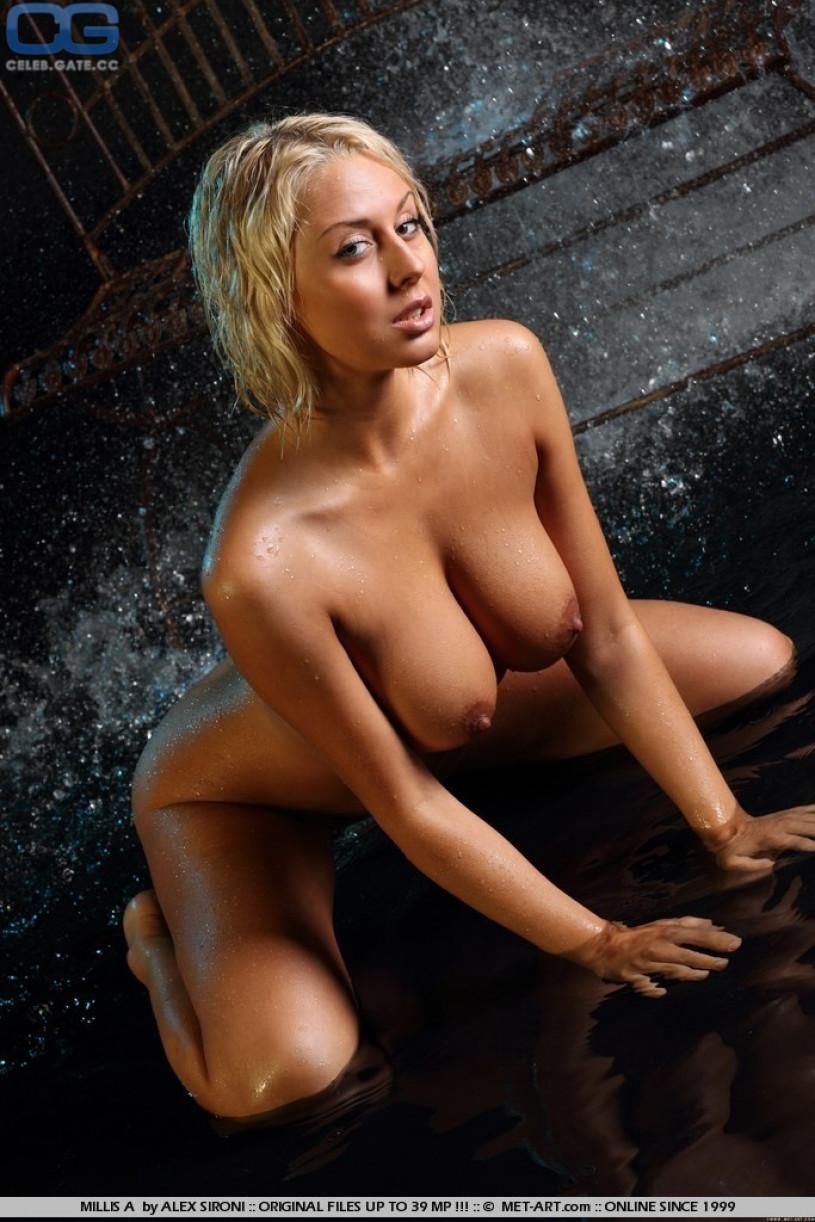 Male nudity in public