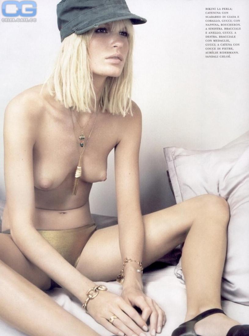 Celebrity Caroline Ribeiro Nude Photos
