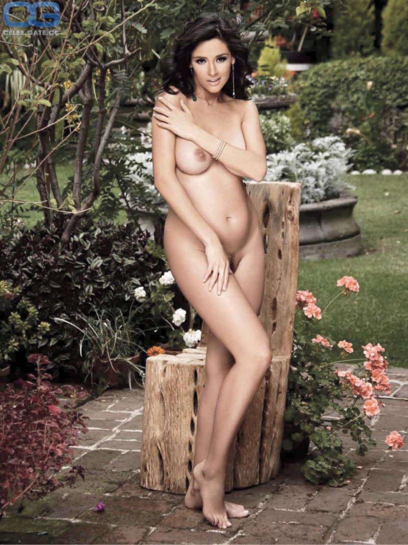 Play women mates beautiful naked