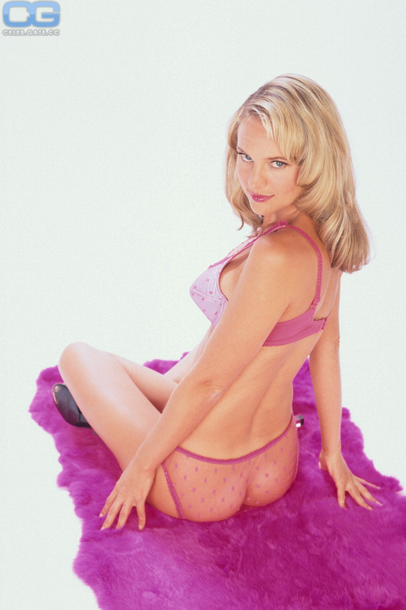 Sharon case nude picture
