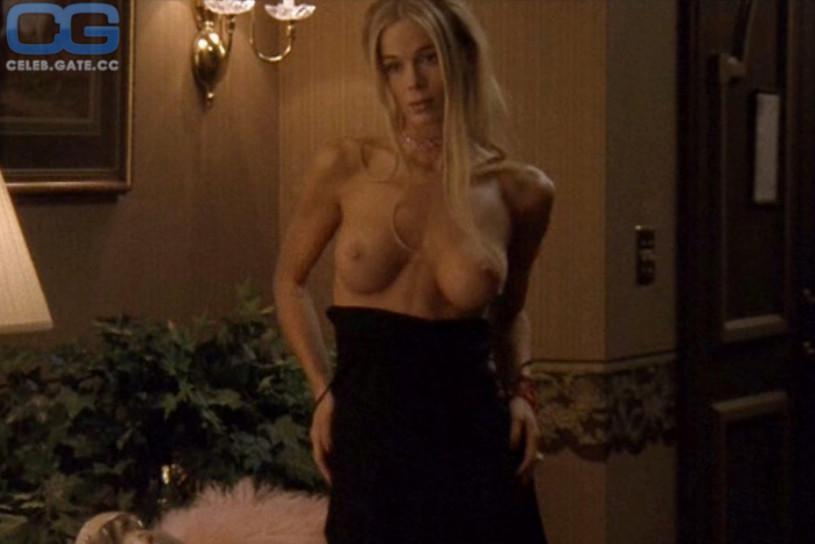 Girlfirend Nude