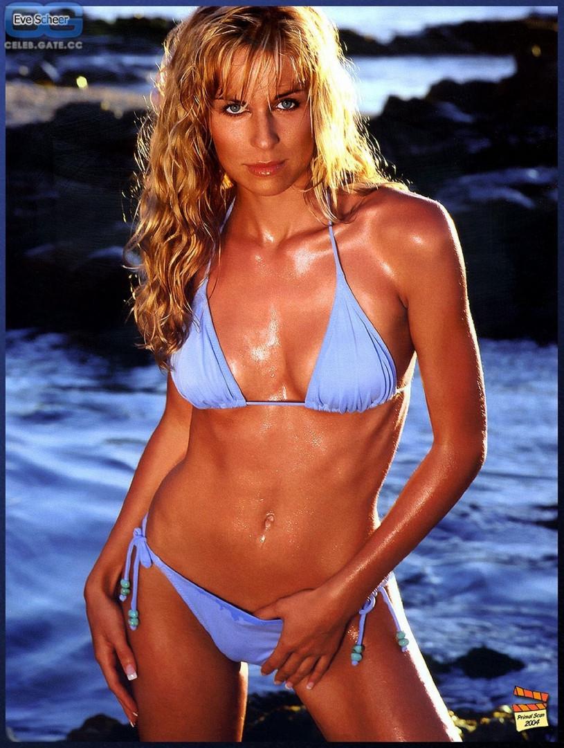 Top 100 bikini babes