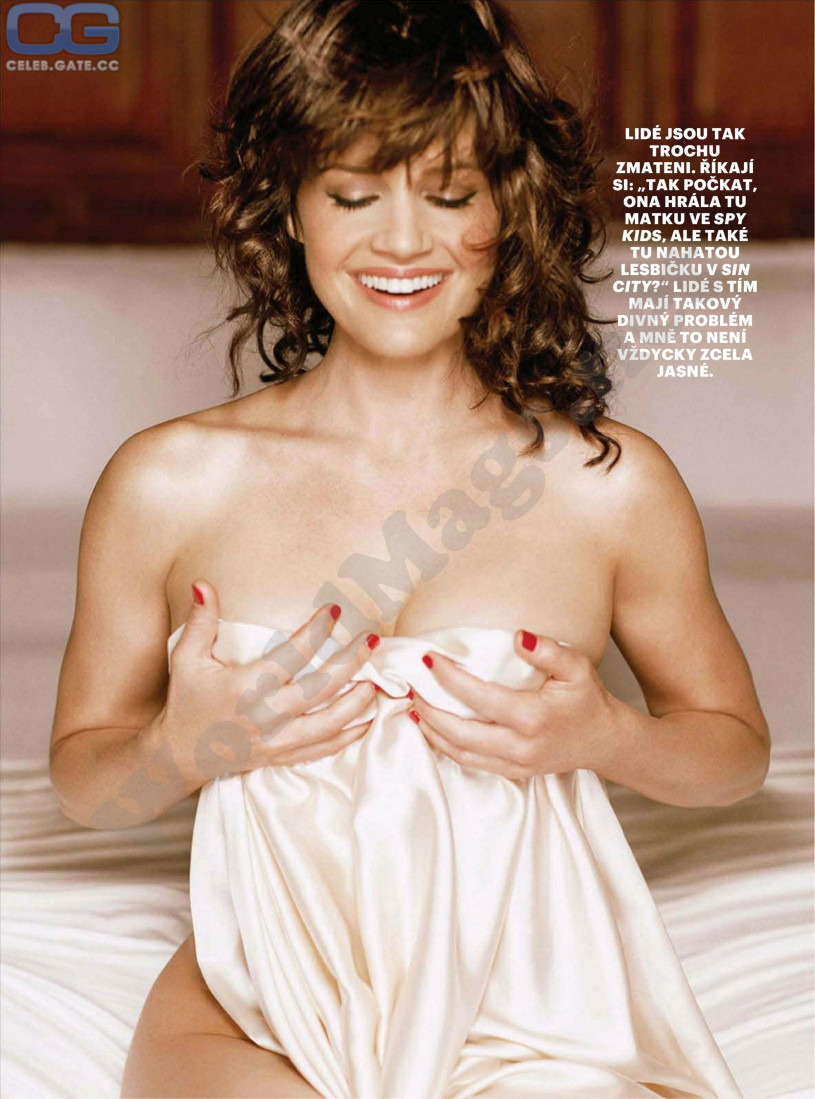 fake nude images of carla gugino