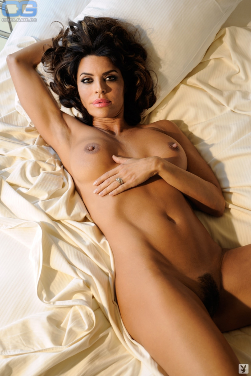 lisa-rinna-naked-playboy-pics