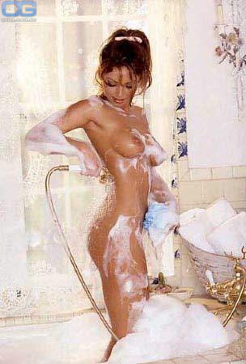 Celeb Vanessa Mai Naked Scenes