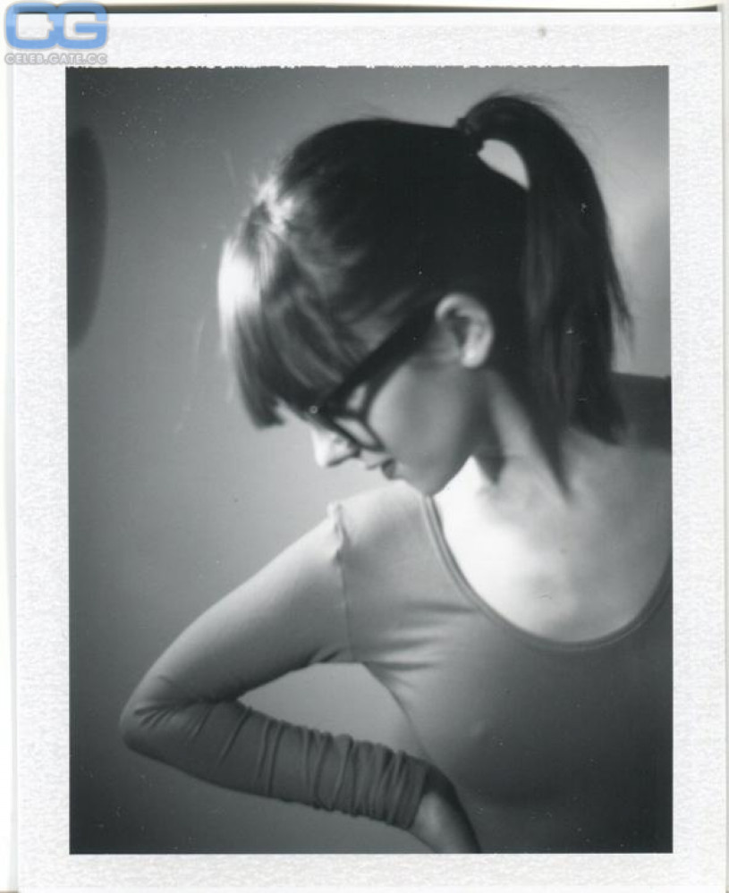 Alizee Jacotey Naked 45
