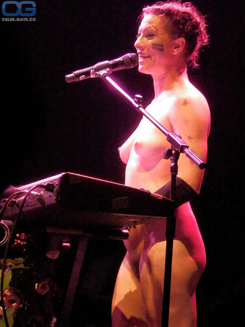 Amanda palmer nude pics