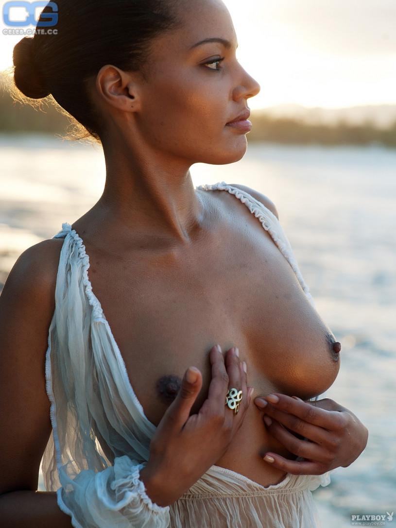 ariane nude