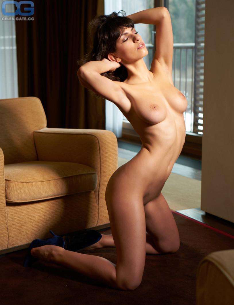 Nude pics of jacqueline