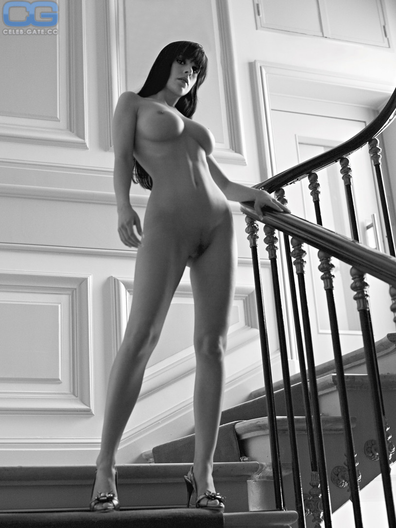 jennifer henschel nude