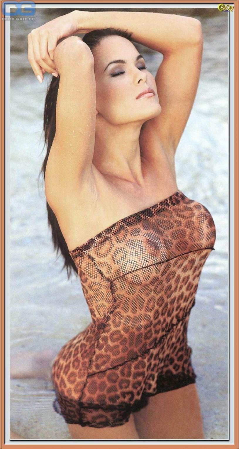 mature clevige nudes
