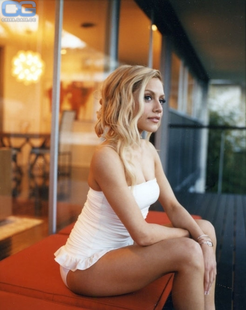 Brittany murphy topless with