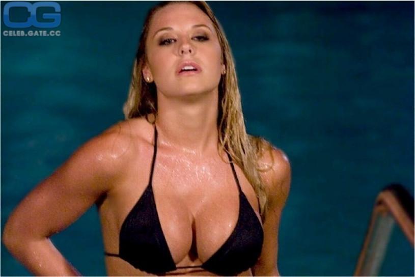 Taryn Terrell Nude,bikini,and more
