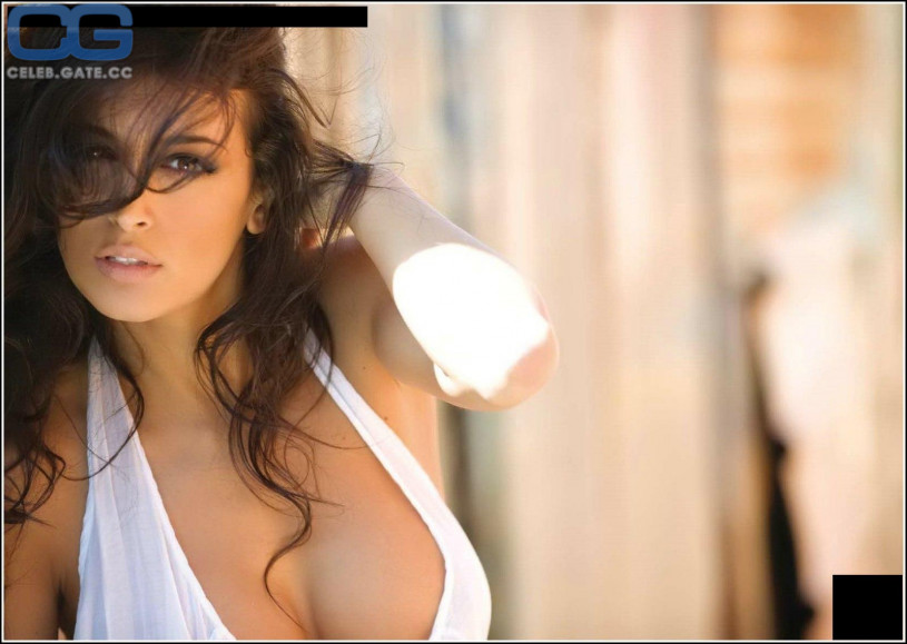 Cristina buccino nude pics