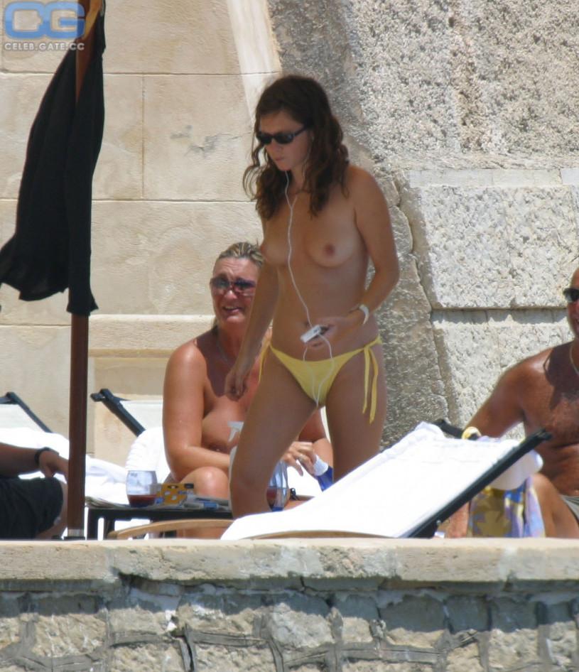 CelebGate Anna Friel Topless - 7 Photos naked (42 photo), Hot Celebrity image