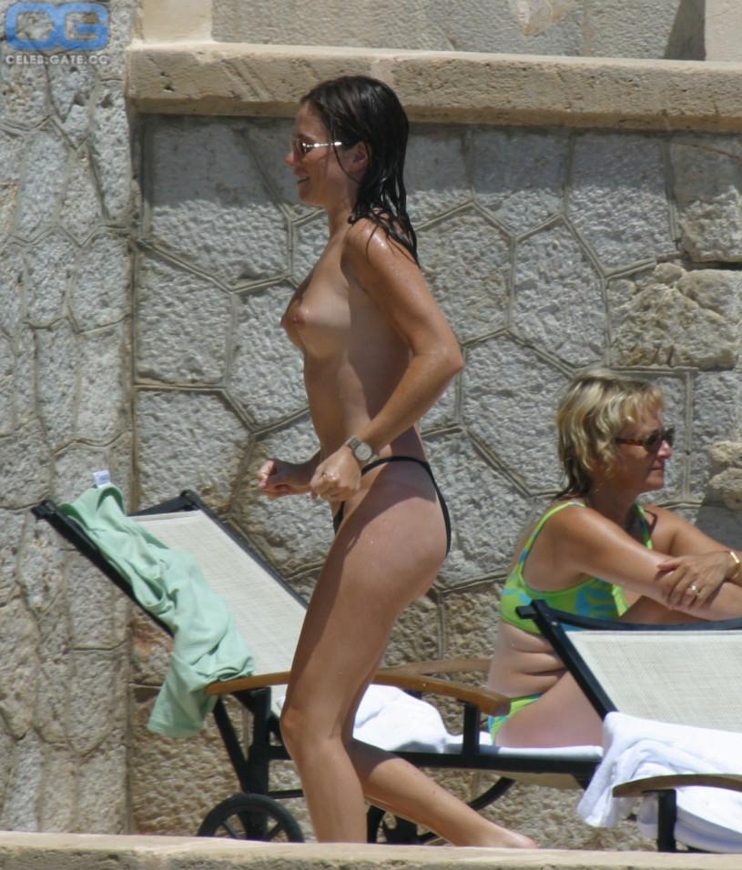 american pie naked nudity