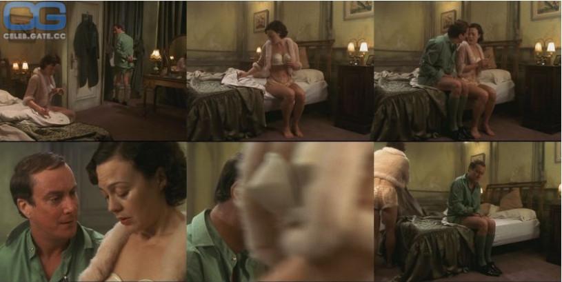 amateur old woman voyeur