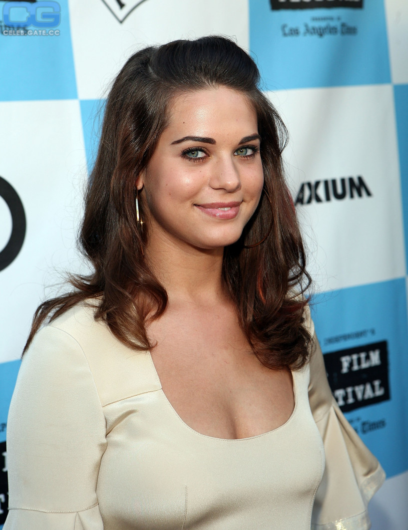 With lyndsy fonseca nude really. join