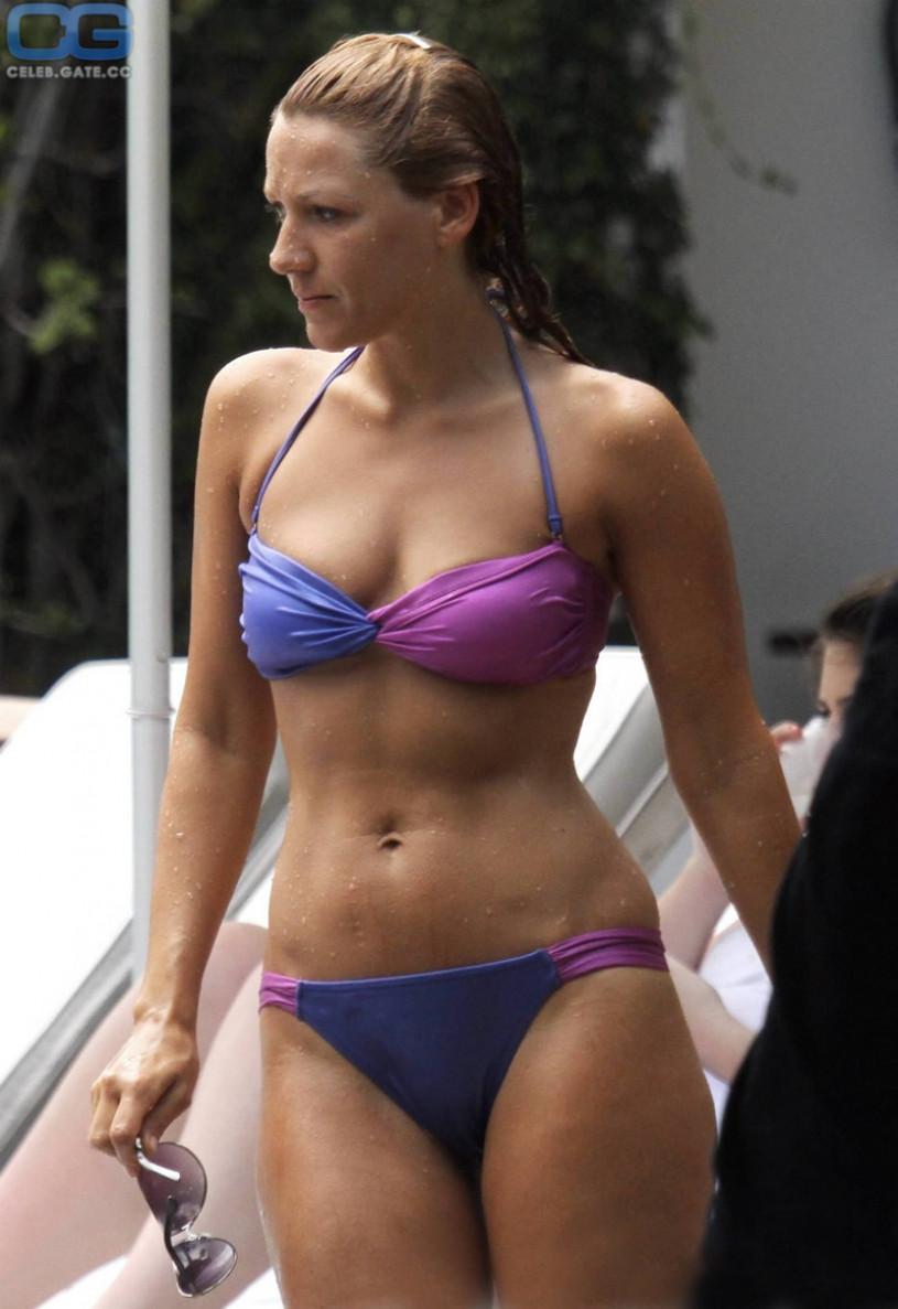 Simone simons topless