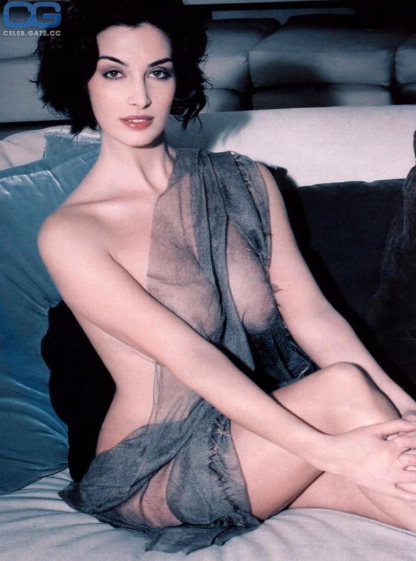aquino nude Sonia