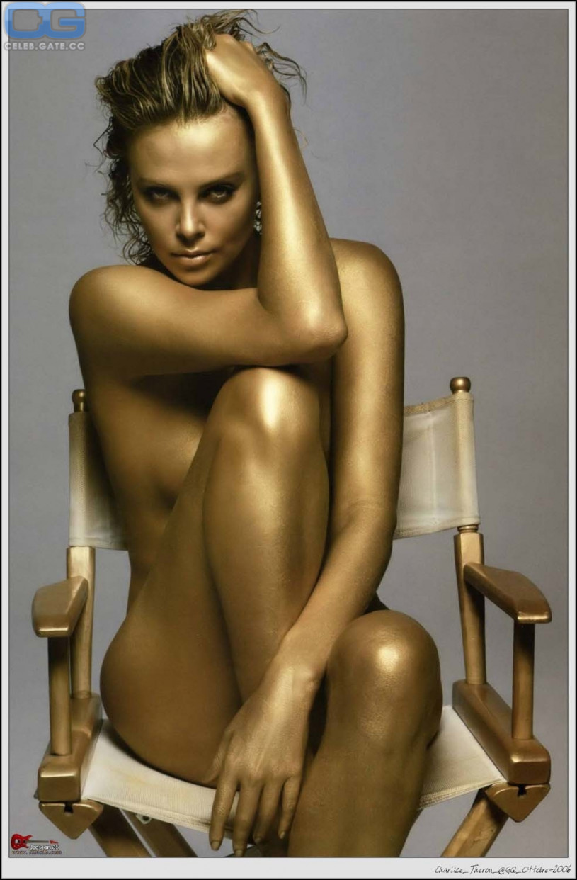 Hostel nude girl boobs