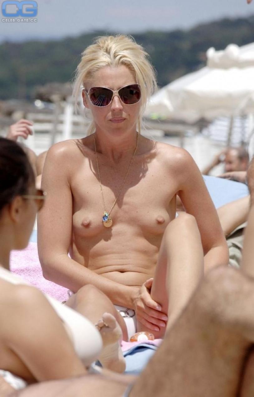 Holly Marie Combs nude celeb pics  Celeb Nudes Photos