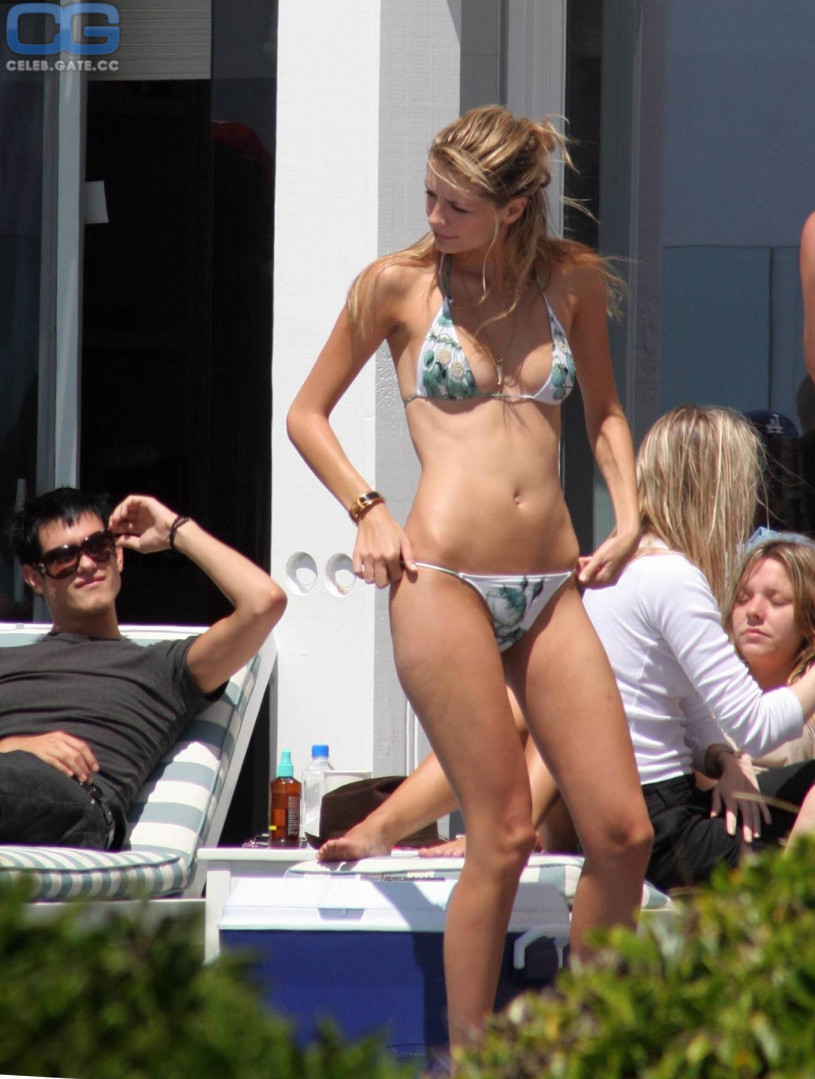Daughter nudist girl model cum come