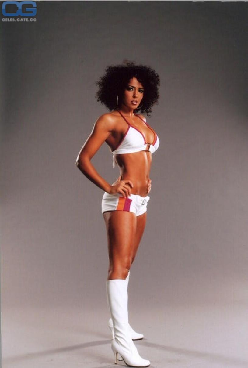 Layla El Naked 31