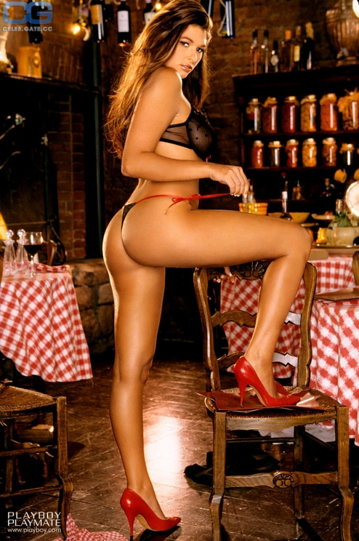 Amateur house wife nudes