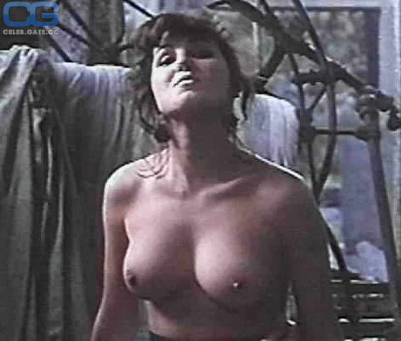 Nude buxom blow job video