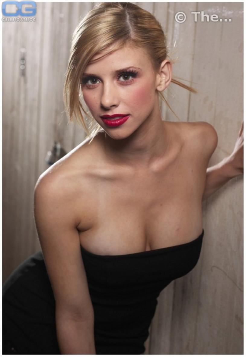 nude Melissa schuman