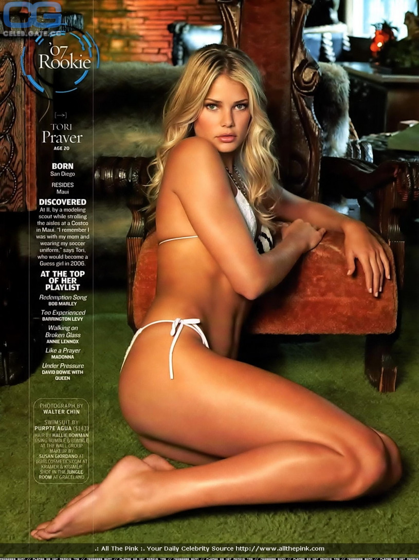 Tori praver topless