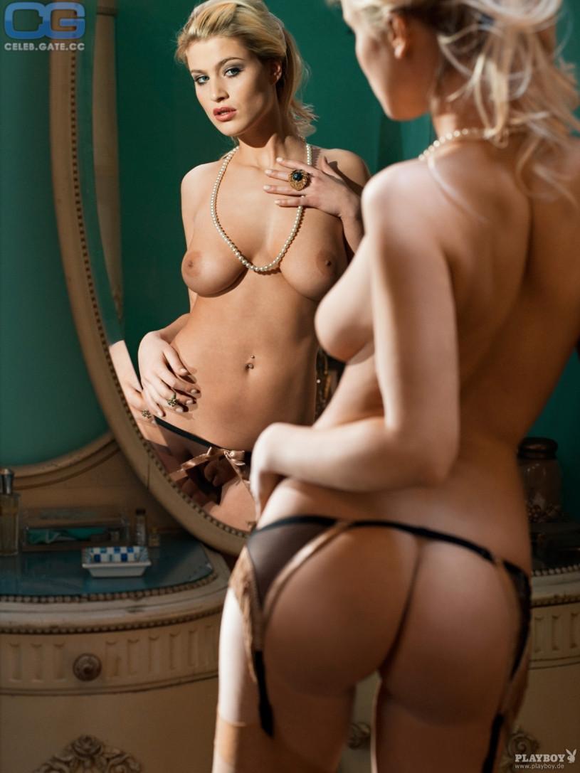 Nackte Fotogalerien von Adrienne Manning