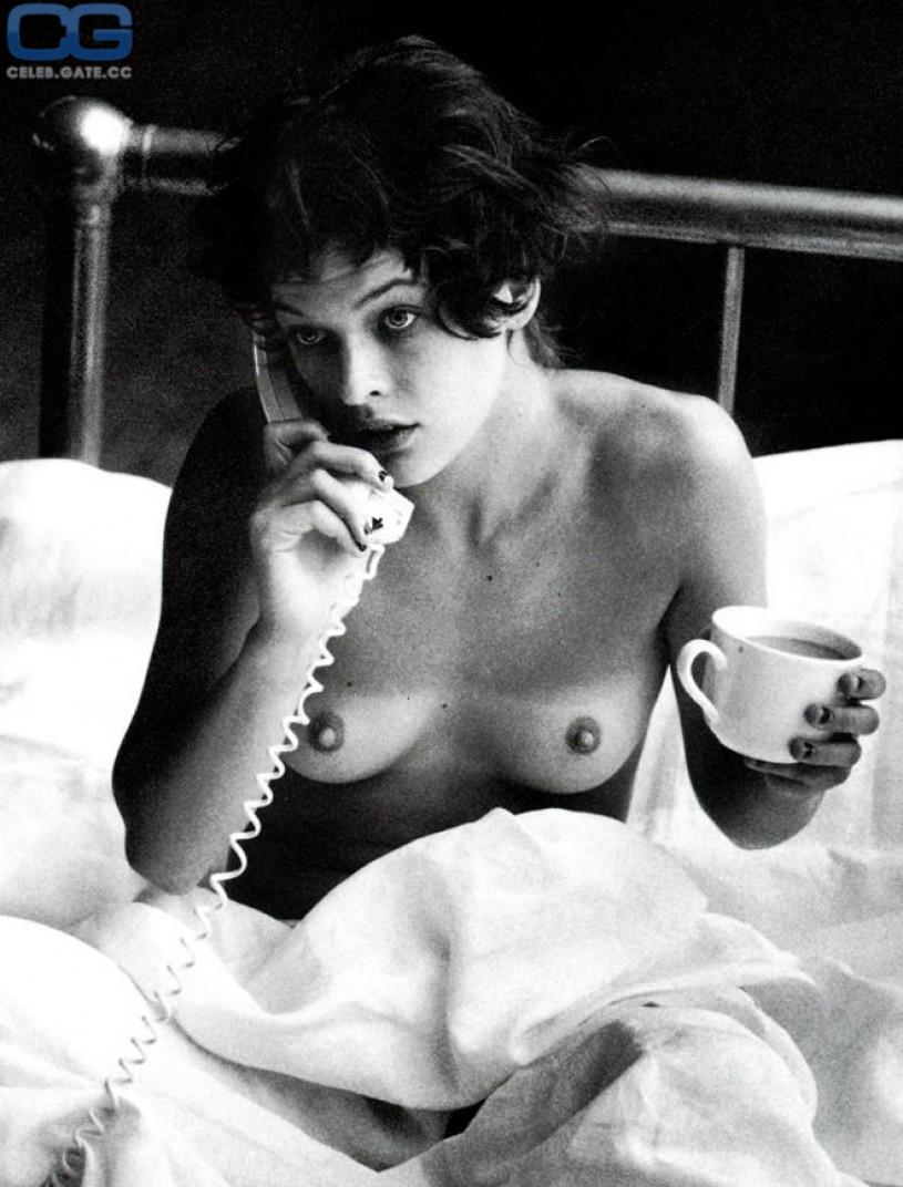 Nackte Bilder von Milla Jovovich