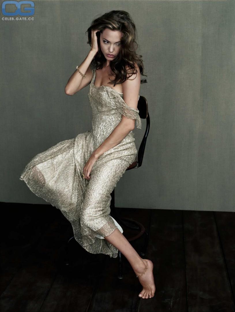 Nacktbilder angelina jolie