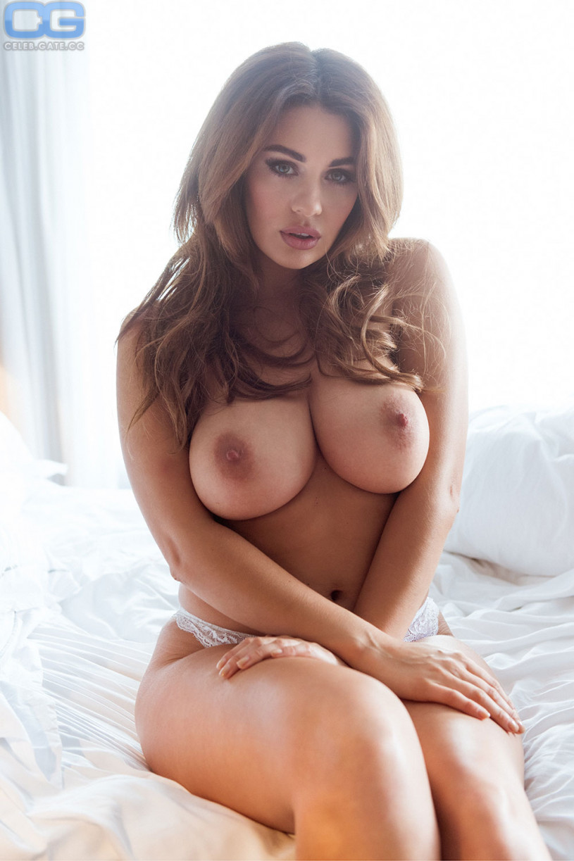 naked Holly peers