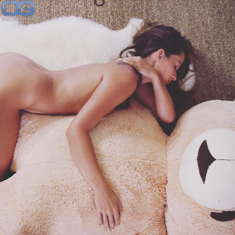 adina rivers naked